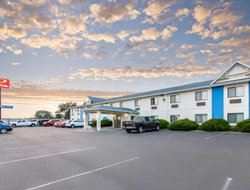Pets-friendly hotels in Oacoma