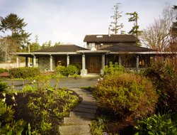 Tofino hotels with restaurants