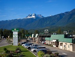 Top-5 hotels in the center of Revelstoke