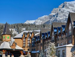 Canmore hotels with restaurants