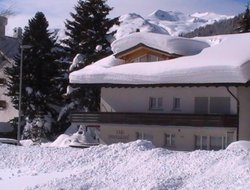 Pets-friendly hotels in Davos Dorf