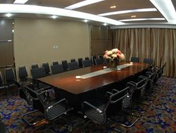 Luoyang hotels with restaurants