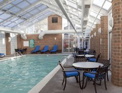 Mishawaka hotels with restaurants
