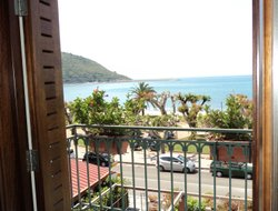 Sapri hotels with sea view