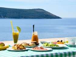 Top-7 hotels in the center of Herceg Novi