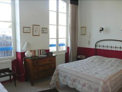 Pets-friendly hotels in Tarascon