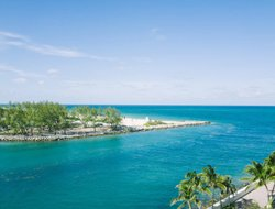 Bal Harbour hotels with sea view