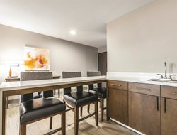 Business hotels in Federal Way