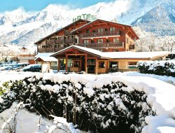 Les Houches hotels with restaurants