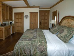 Arroyo Grande hotels with restaurants