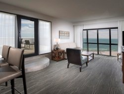 Top-5 hotels in the center of Orange Beach