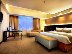 Makassar hotels with swimming pool