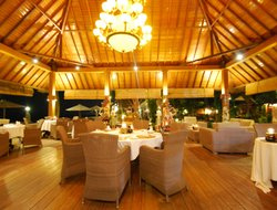 Lombok Island hotels with restaurants