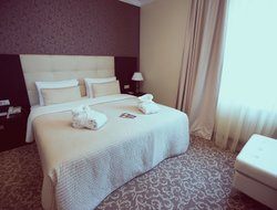 Novokuznetsk hotels with swimming pool