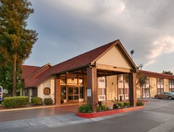 Pets-friendly hotels in Tulare