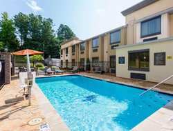 Tupelo hotels for families with children