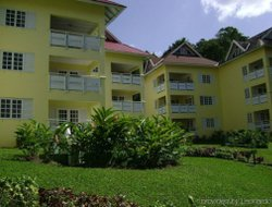 Jamaica hotels with Russian personnel