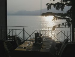 Torri del Benaco hotels with lake view