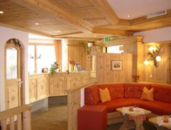 Scuol hotels with restaurants