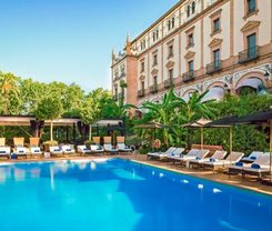 Sevilha: CityBreak no Hotel Alfonso XIII - A Luxury Collection Hotel desde 197€