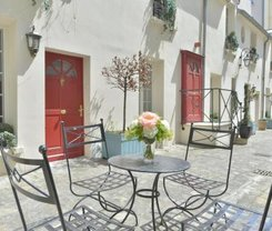 Paris: CityBreak no Hotel Suites Unic Renoir Saint-Germain desde 101€