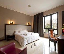 Milão: CityBreak no Oasi Village Hotel & Resort desde 47.18€