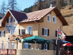 Leysin hotels with restaurants