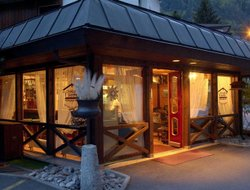 Unterseen hotels with restaurants