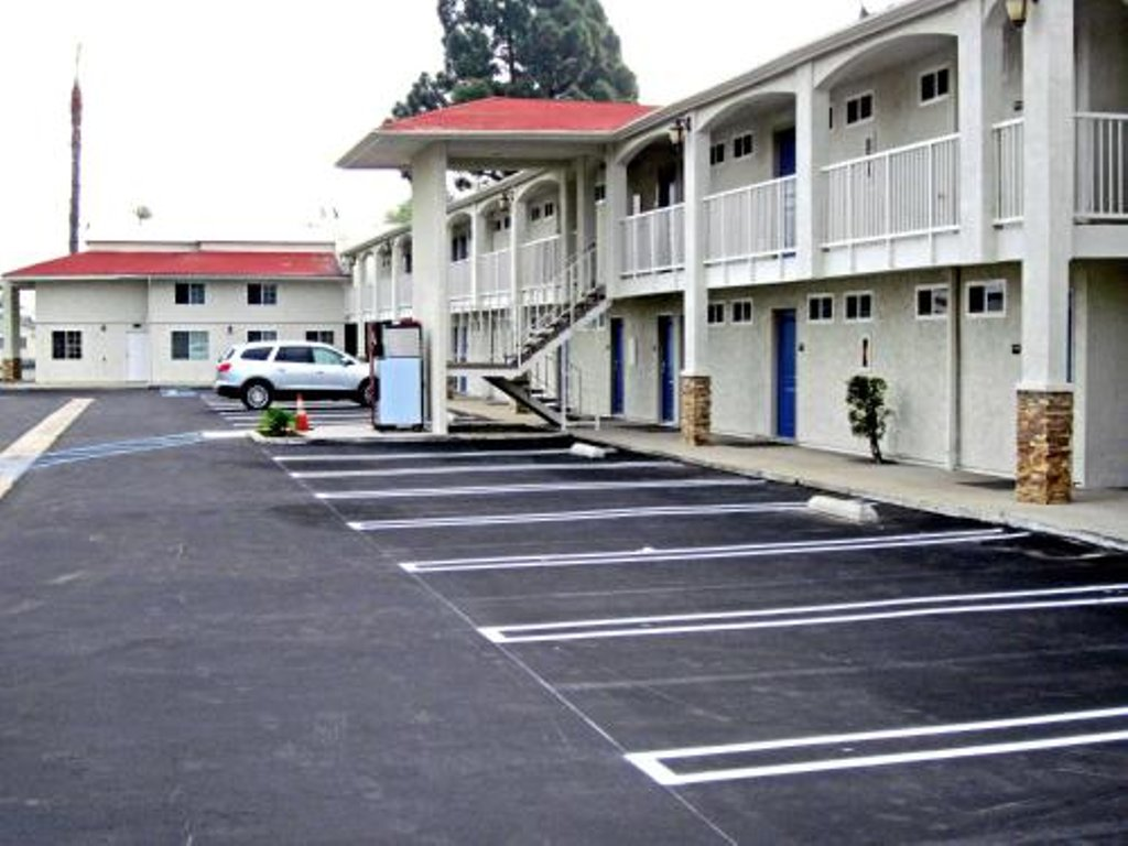 motels in anaheim