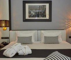 Atenas: CityBreak no Athenian Riviera Hotel& Suites desde 62.08€