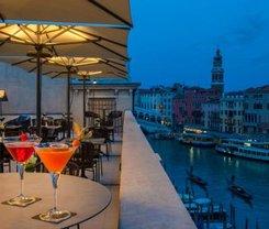 Veneza: CityBreak no H10 Palazzo Canova desde 107.1€