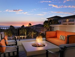 Dana Point hotels with restaurants