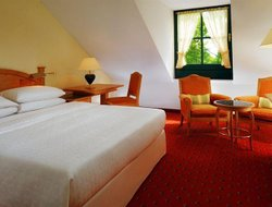 Schwaig Bei Munchen hotels with restaurants