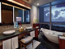Top-10 romantic Miami hotels