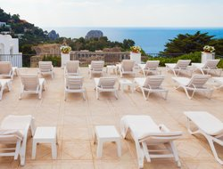 Top-10 hotels in the center of Capri Village