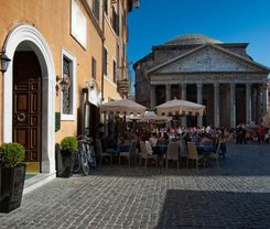 Roma: CityBreak no Hotel Sole Al Pantheon desde 79.2€