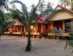 Libong Island hotels with sea view