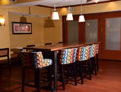 Indiana hotels with restaurants