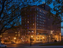 Top-9 hotels in the center of Albany