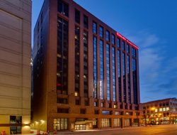 Pets-friendly hotels in Milwaukee