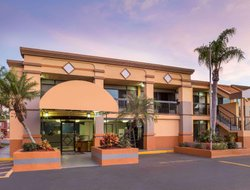 Pets-friendly hotels in Fort Myers