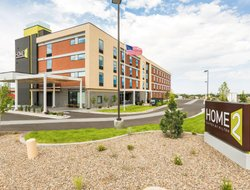 Pets-friendly hotels in Farmington