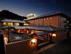 Sasebo hotels with river view