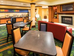 Elizabethtown hotels for families with children