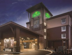 Tumwater hotels with restaurants