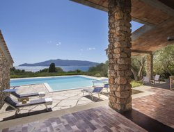 Orbetello hotels with swimming pool
