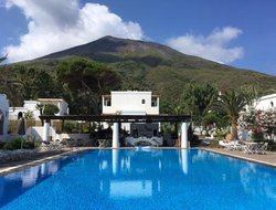 Stromboli Island hotels with restaurants