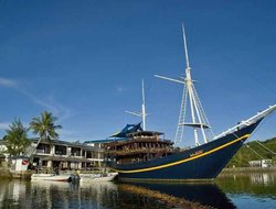Micronesia, Federated States Of hotels with restaurants