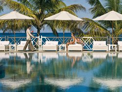 Baie aux Tortues hotels with swimming pool