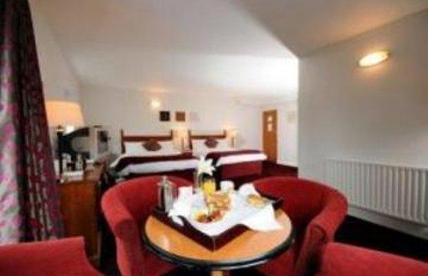 фото Ramada Woodland Court Hotel 909836784